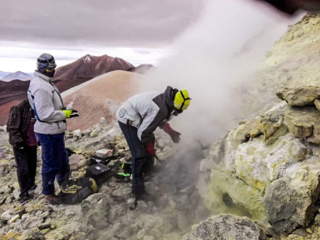 Abren proyecto en San Pedro de Atacama para inédita medición de riesgos vulcanológicos